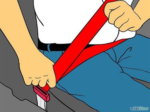 Thắt dây an toan trước khi lái